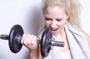 dumbell-woman-e1404029853386