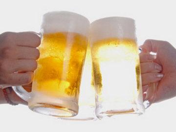14964_生ビール乾杯