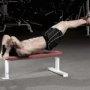 腹筋に高負荷がかかるドラゴンフラッグのやり方と注意点