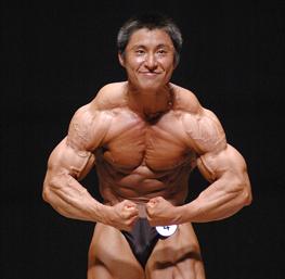 日本ボディビルチャンプ鈴木雅選手とは?筋トレメニューや食事内容を紹介。
