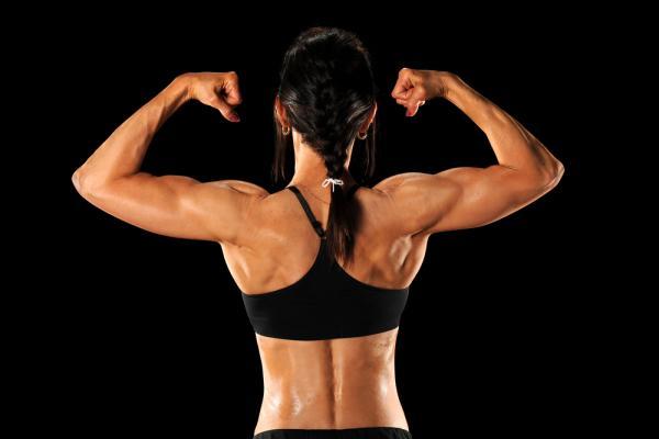 女性こそダイエットの中に筋トレを取り入れるべき理由