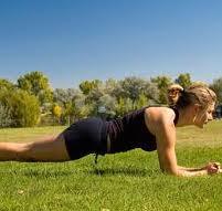 体幹トレーニング「プランク」やり方と注意点。できない人の対処法も!