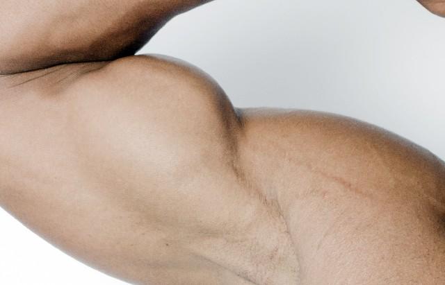 腕の筋トレは怪我をしやすい!?慎重にやるべき理由とは