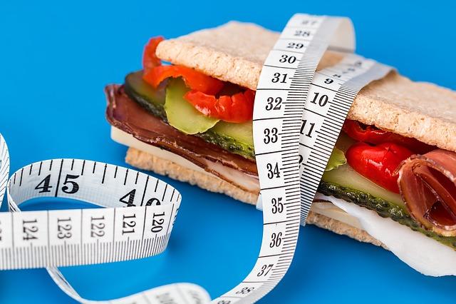 筋トレやダイエットで間食をすることがオススメのわけ