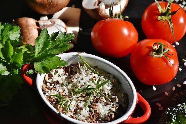 ヴィーガンやベジタリアンの特徴と種類。摂取する食事やおすすめのサプリ。