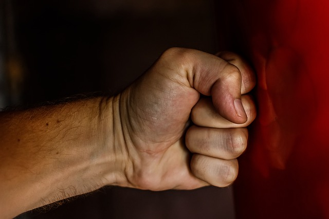 リストカールとリバースリストカールで前腕を鍛える!やり方と注意点!